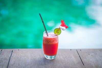 5 Must-Serve Frozen Alcoholic Drinks and How to Make Them - Featured Image